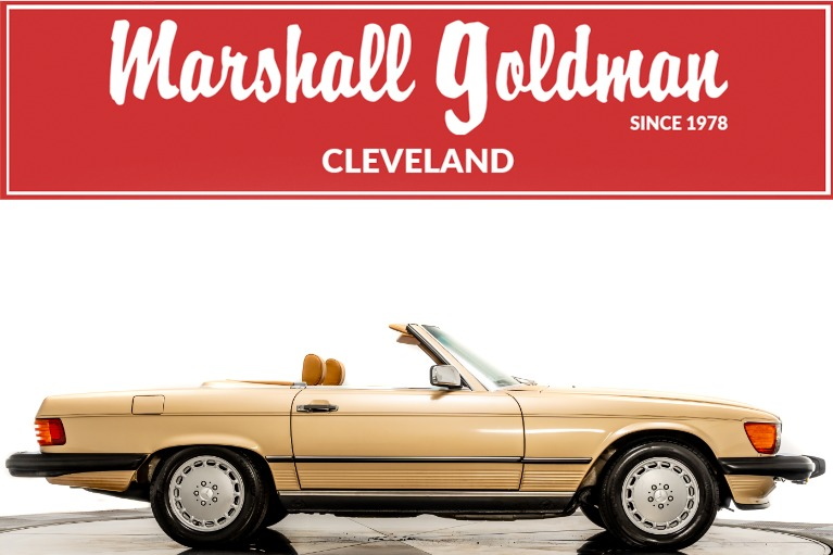 Used 1988 Mercedes-Benz 560 SL for sale $79,900 at Marshall Goldman Beverly Hills in Beverly Hills CA